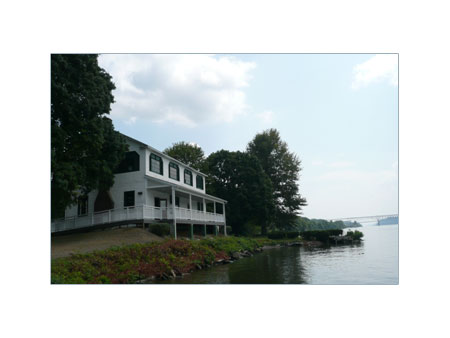Navy Crewhouse Building at Quiet Cove Riverfront Park - photo 1