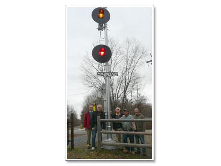 Maybrook Rail Line Railroad Signal Preserved on DRT  - photo 1