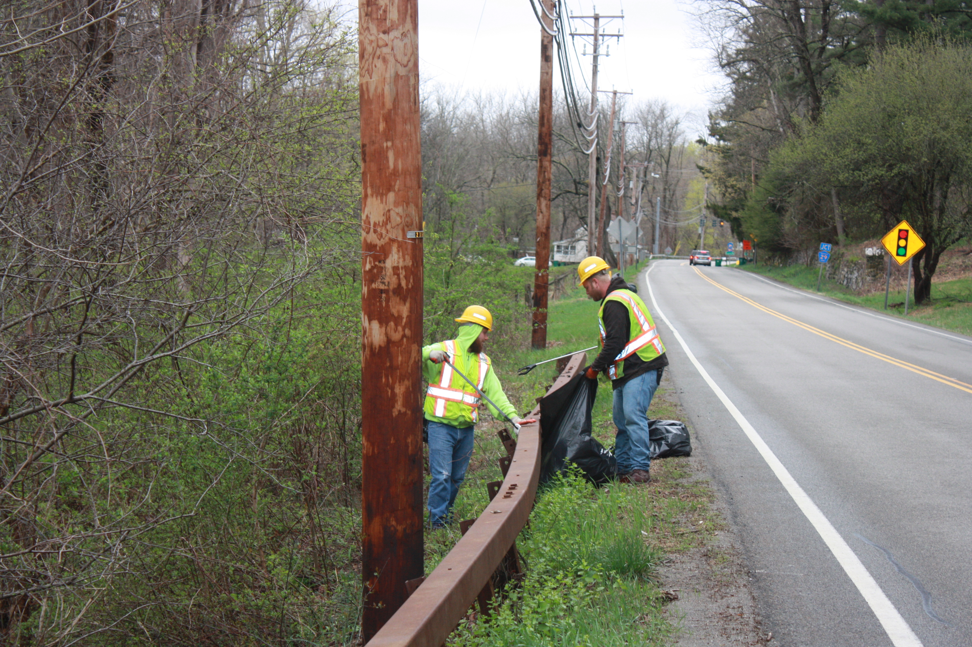 As part of this year's Earth Day celebration, the Dutchess County Department of Public Works (DPW) Highway  Division will clean litter along some of the County's most highly trafficked roadways starting on Thursday, April 19th, and continuing April 20th, 23rd and 24th.