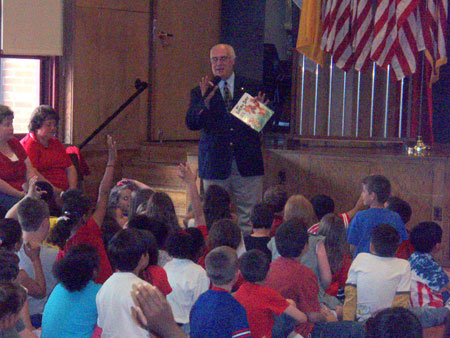 County Executive William R. Steinhaus with Students at JV Forrestal Elementary School   - photo 2