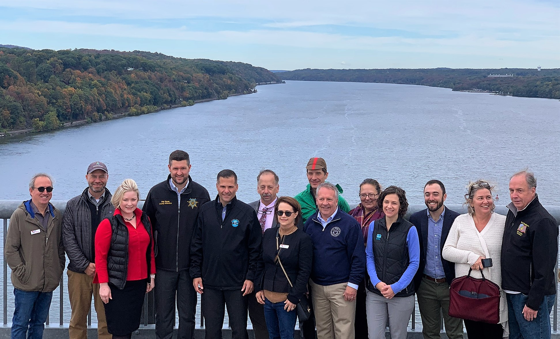 Picture of Hudson River cleanup supporters with Hudson River in the background
